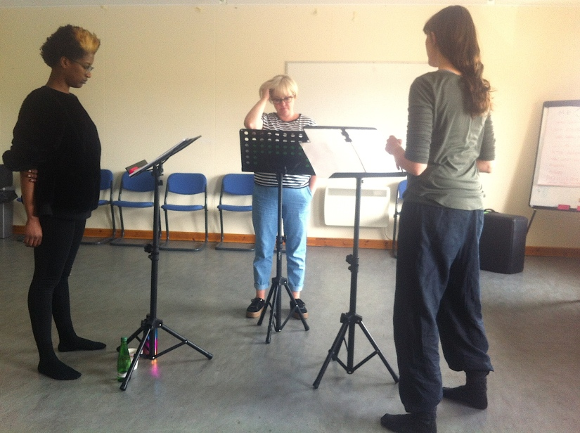 sruth-mara rehearsal pic 1